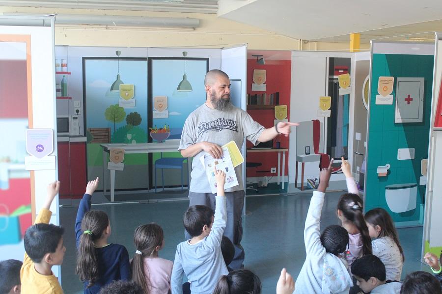 Les écoliers de Picasso apprennent les éco-gestes